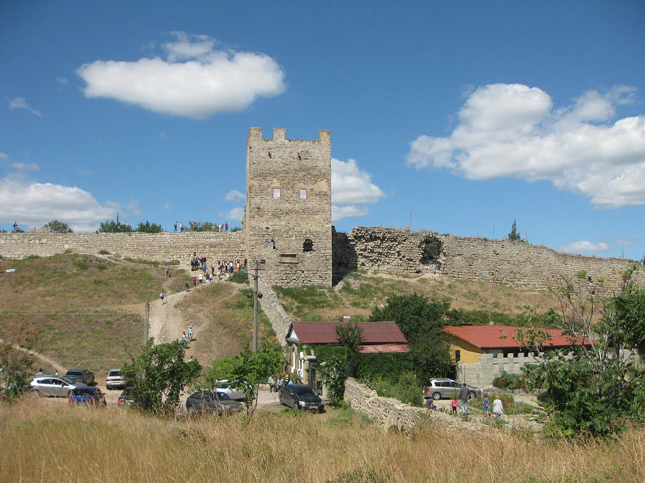 Достопримечательности Крыма - Генуэзская крепость Кафа в Феодосии