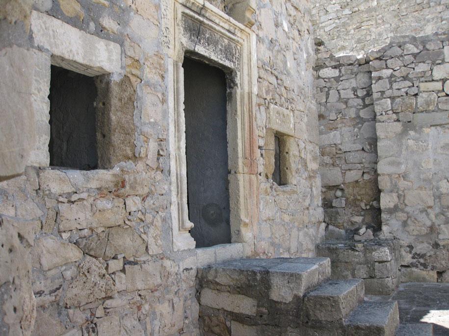 Церковь в Старом городе Феодосии, Крым