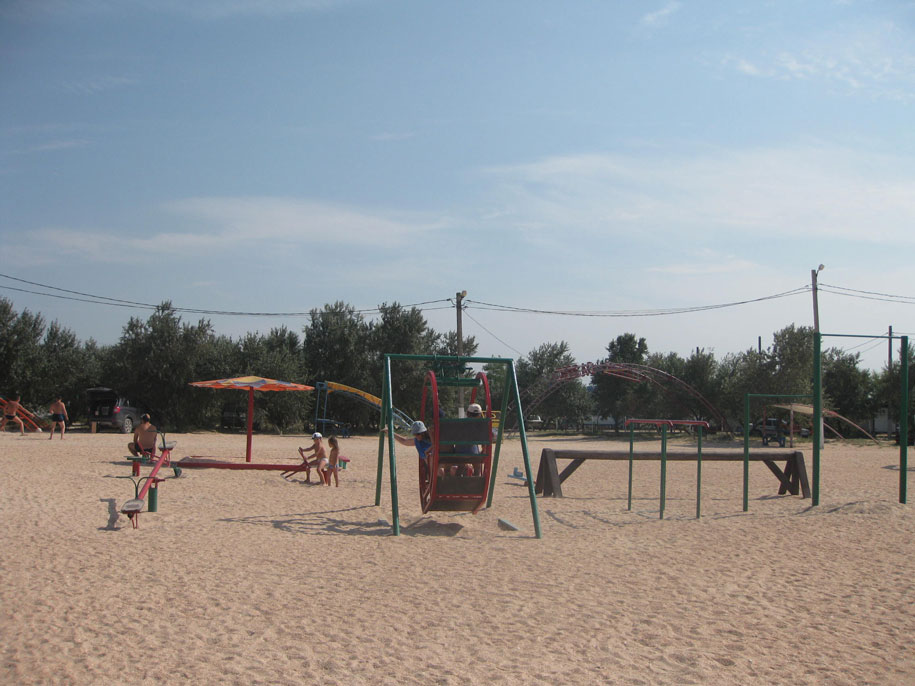 Детская площадка на пляже Оазис, Ачуево