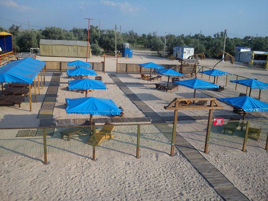 Платная часть пляжа Оазис, Ачуево