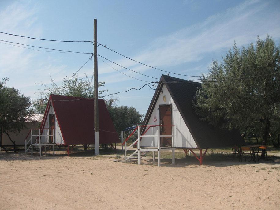 Пляжные домики на пляже Оазис, Ачуево