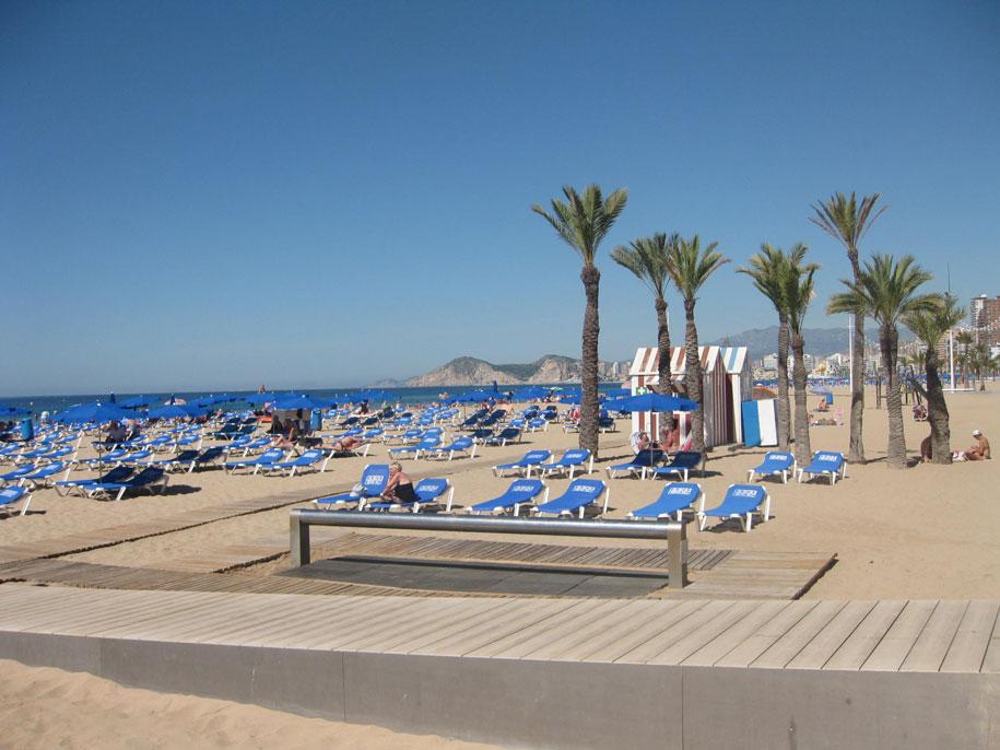 Инфраструктура пляжа Леванте, Бенидорм, Испания