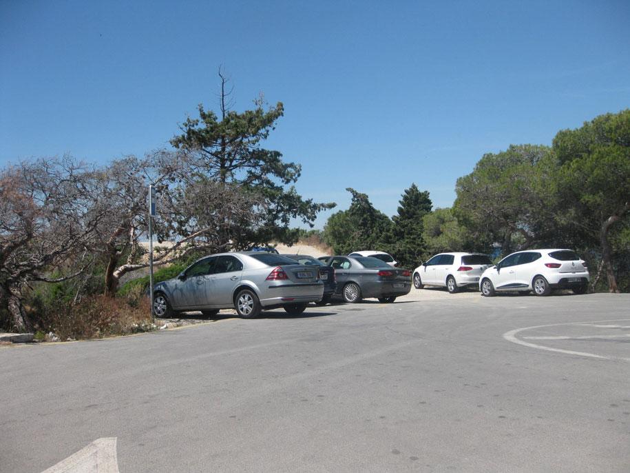 Парковка возле пляжа Алмадрава, Бенидорм