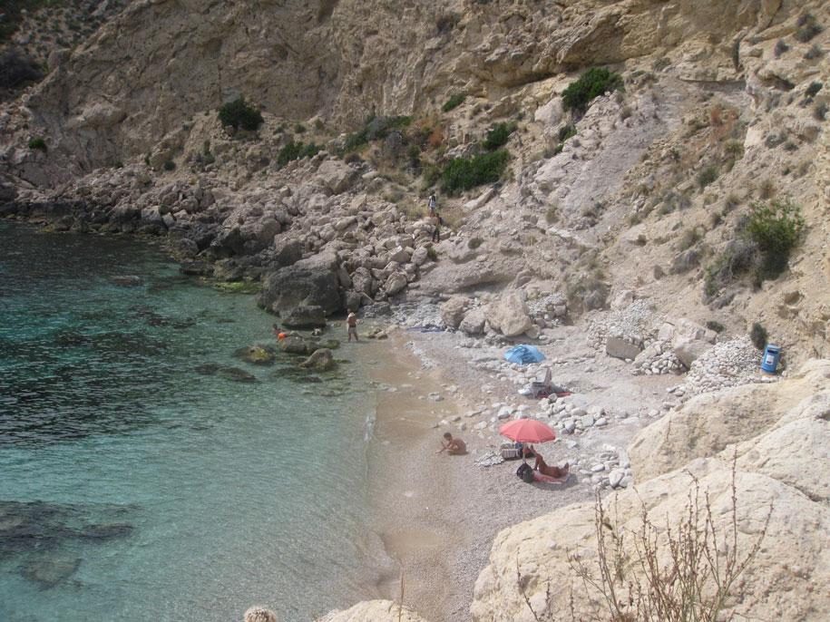 Нудистский пляж Рако Конилл возле Бенидорма