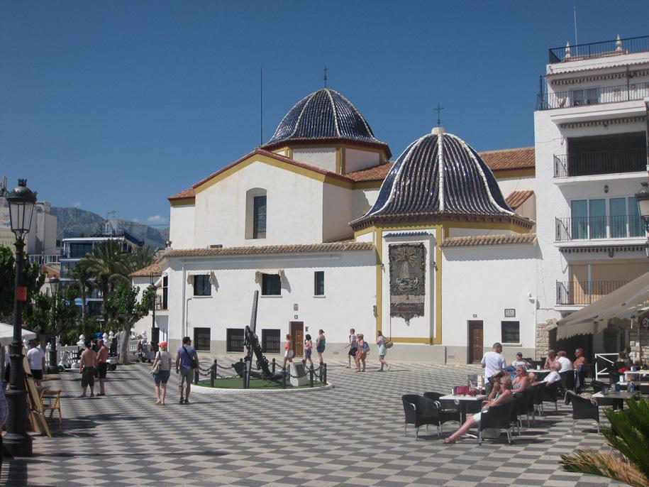 Церковь в Старом городе Бенидорма