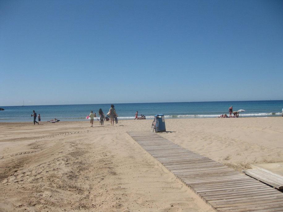 Инфраструктура пляжа Ареналь, Кальпе