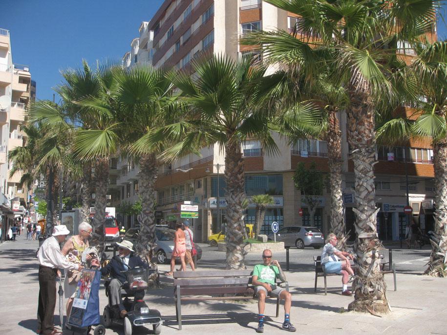 Набережная в Кальпе, пляж Ареналь