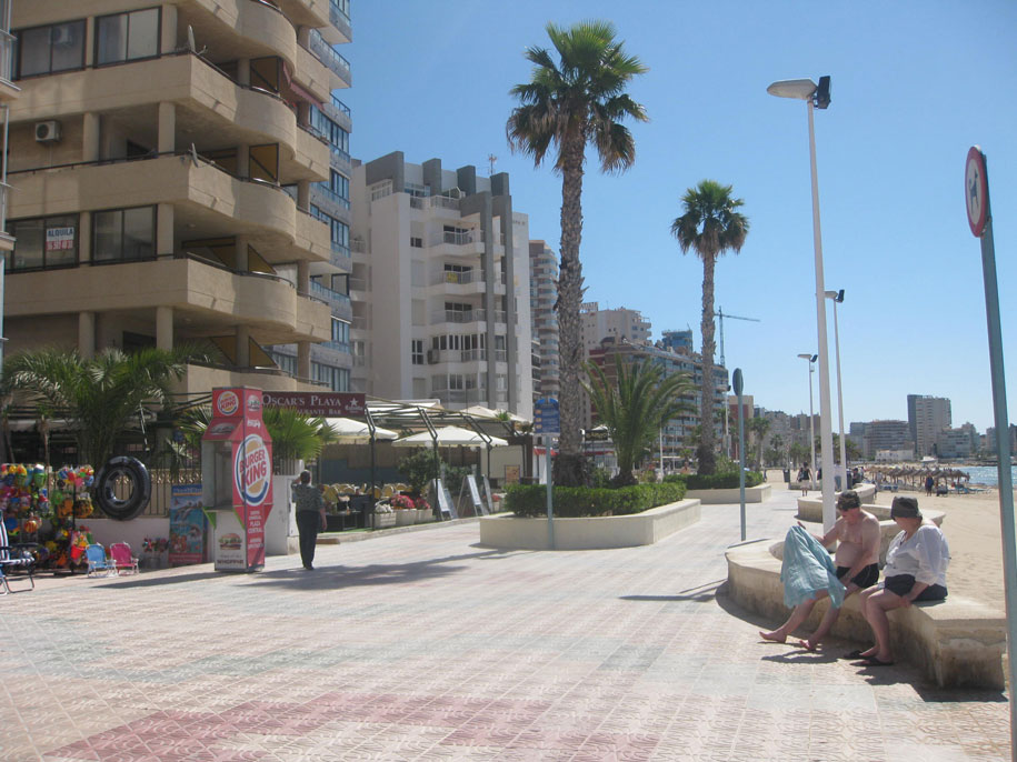 Набережная Кальпе, пляж Ареналь