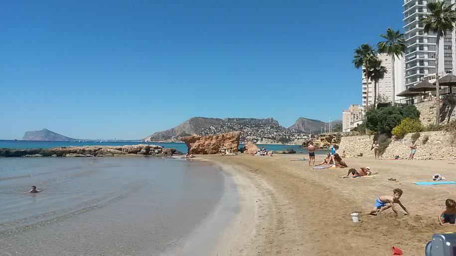 Пляж Cantal Roig в Кальпе