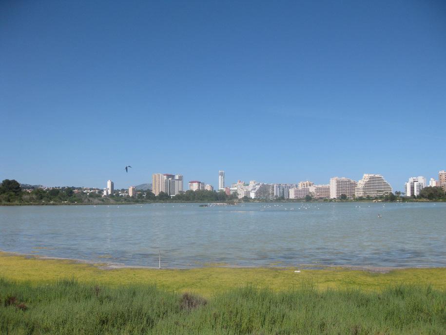 Соленое озеро в Кальпе