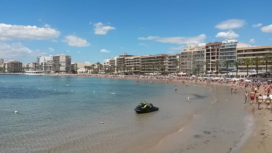 Средиземное море, пляж Дель Кура в Торревьехе