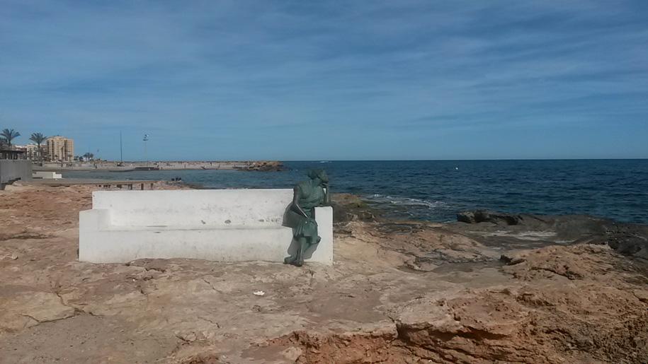 Скульптура Красивая Лола, Торревьеха