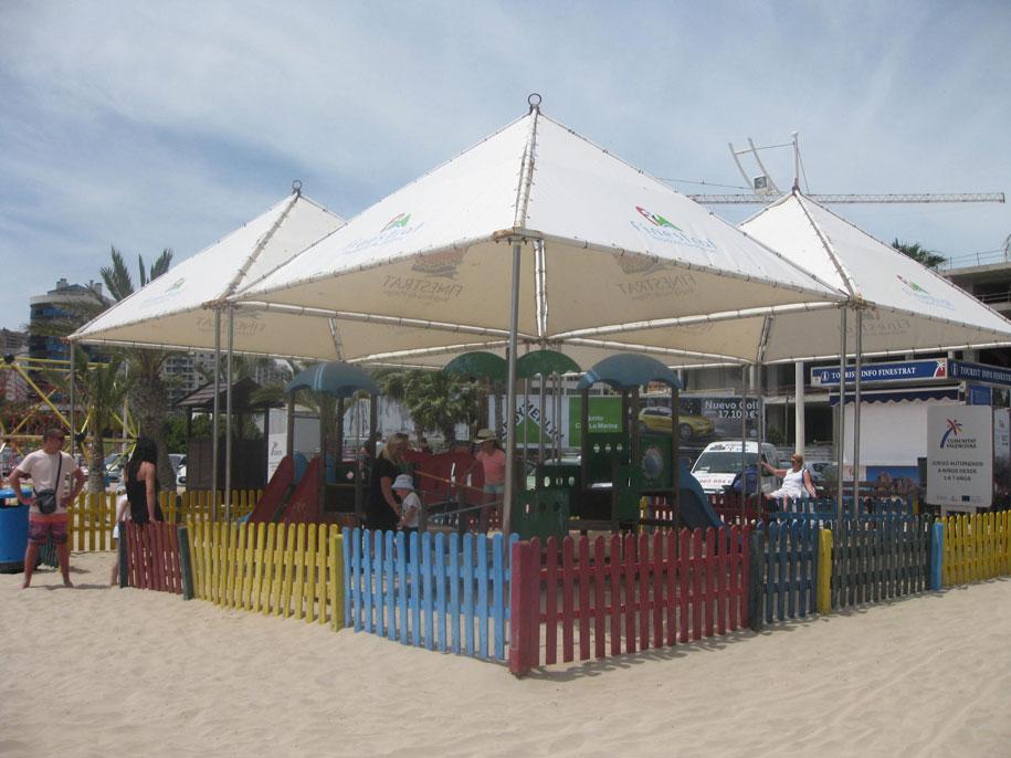 Детская площадка на пляже Финестрат
