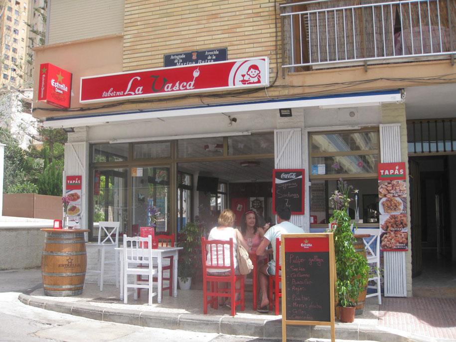 Кафе возле пляжа Финестрат