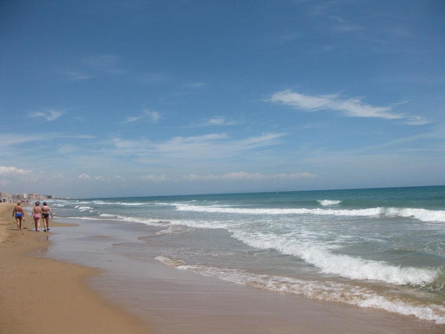 Пляж Ла Мата, море