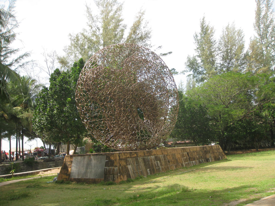 Монумент жертвам Цунами 2004 года, Камала, Пхукет