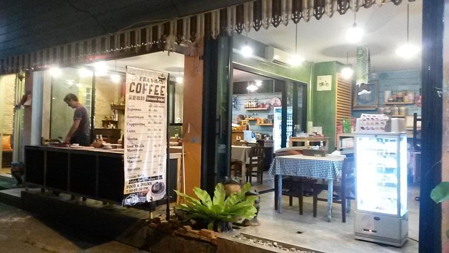 Кафе на Кароне, Пхукет