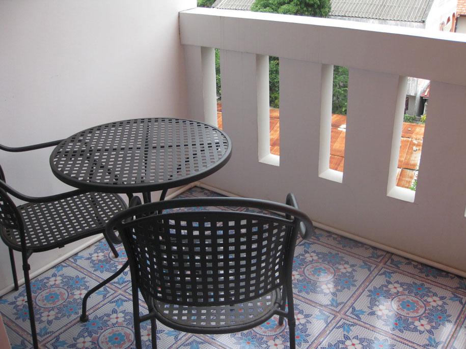 Балкон в номерах, отель Karon Sea Side, Пхукет