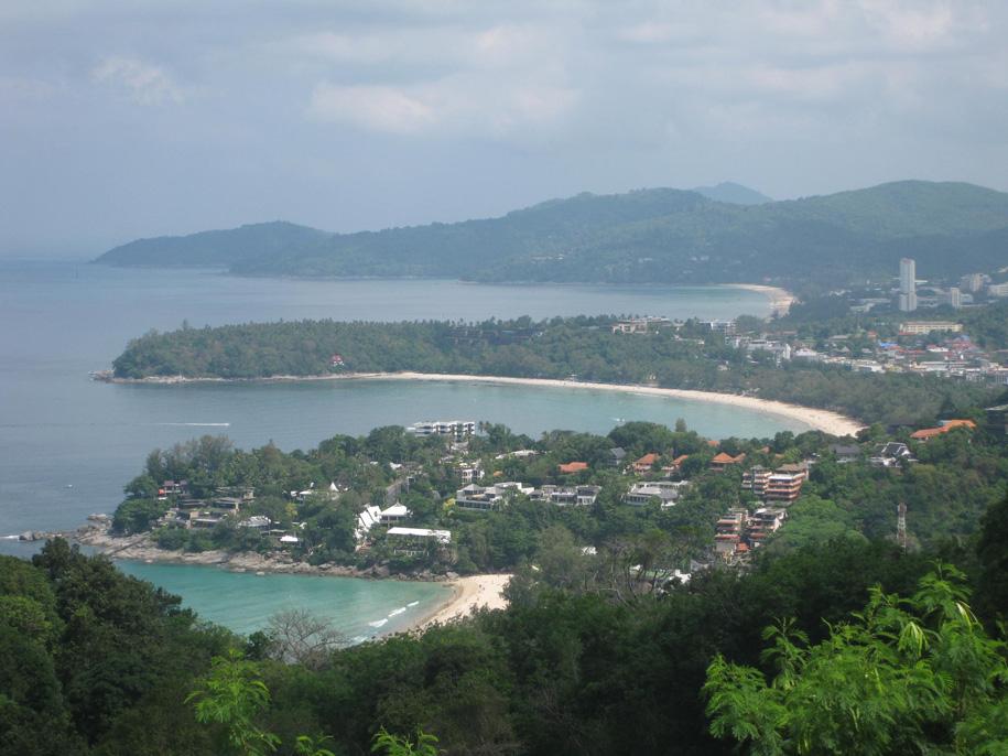 Вид со смотровой площадки Karon View Point - пляжи Карон, Ката и Ката Ной