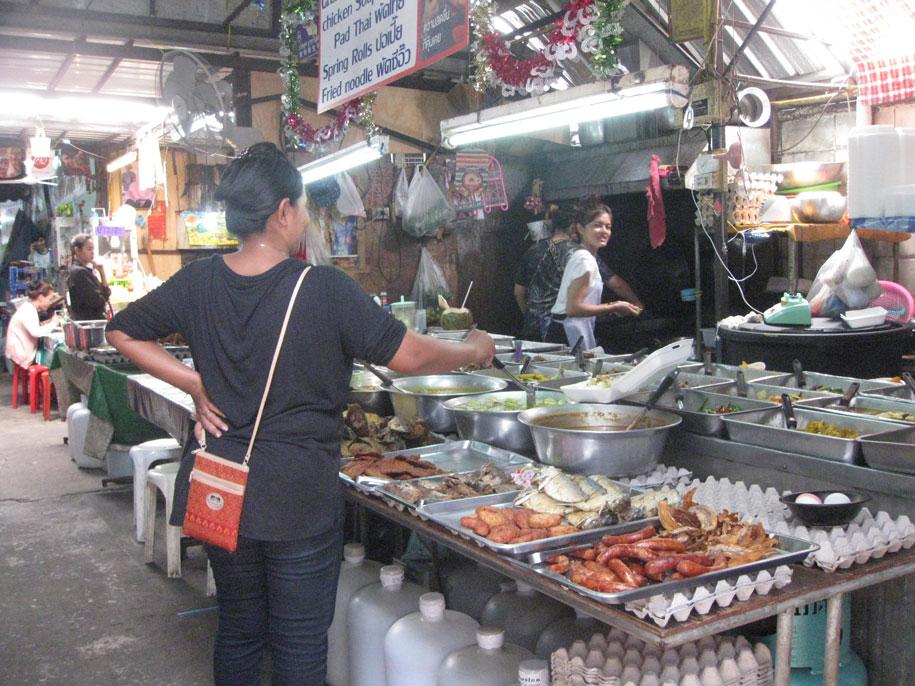 Еда на улице  Бангла Роуд