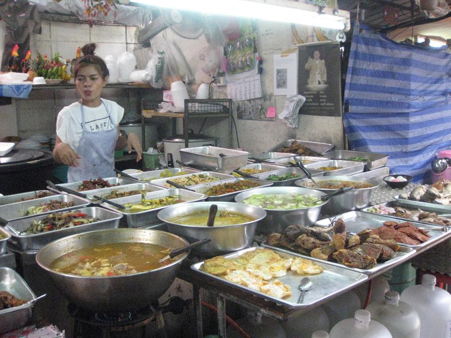 Еда на улице  Бангла Роуд, Патонг