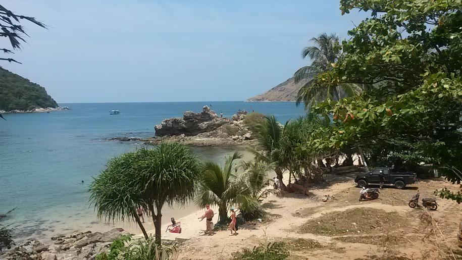 Пляж Януй на острове Пхукет