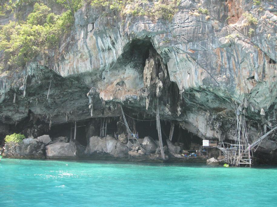 Пещера Викингов, острова Пхи-Пхи, Таиланд