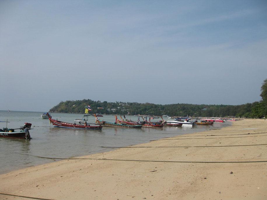 Пляж Равай, Пхукет
