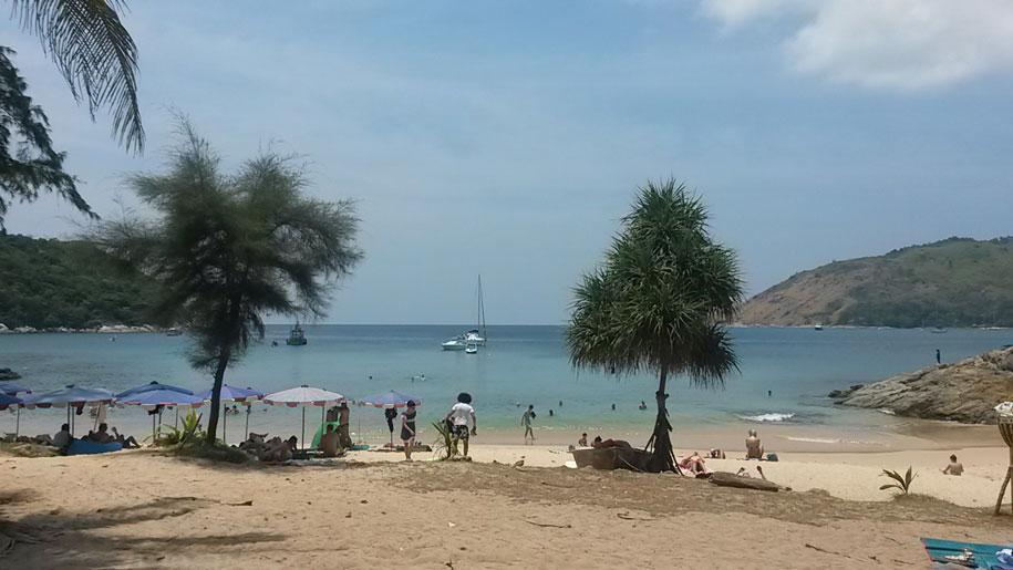 Пляж Януй, остров Пхукет
