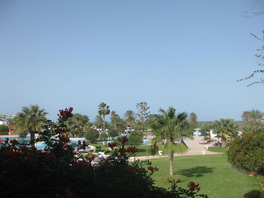 Вид с балкона номера в отеле Джерба Плаза, Тунис