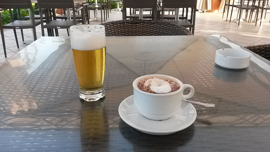 Кофе и пиво в отеле Джерба Плаза, Тунис