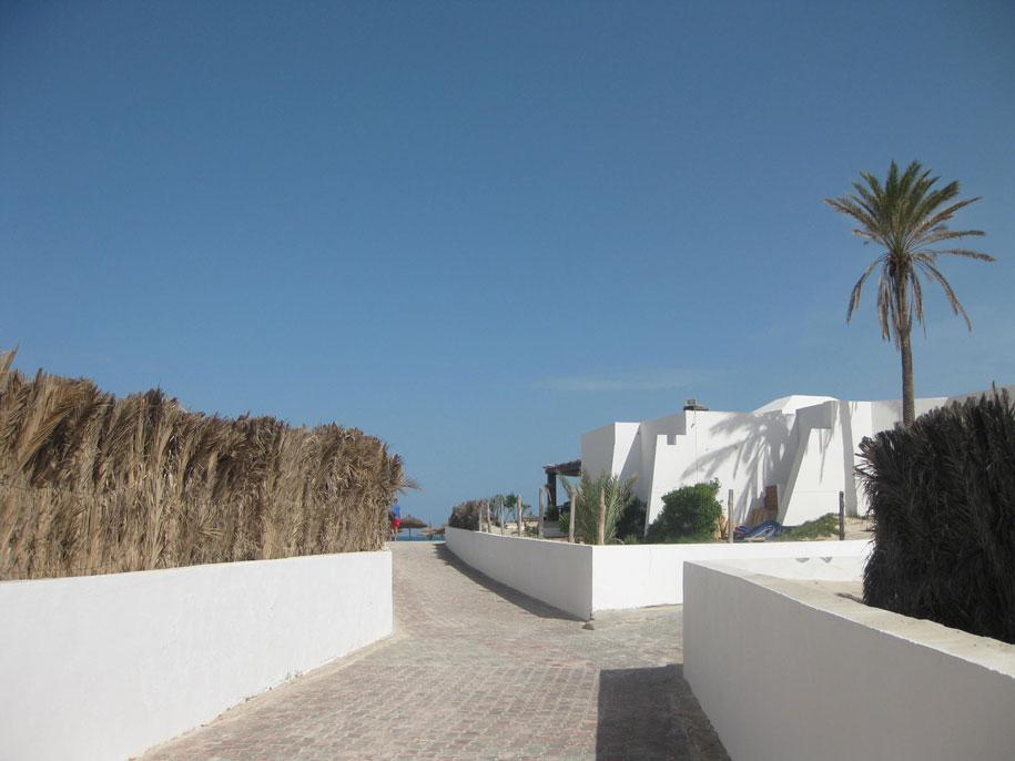Дорога к морю, отель Джерба Плаза, Тунис