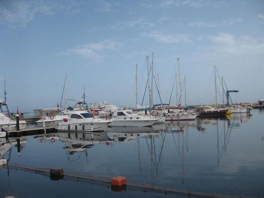 Достопримечательности острова Джерба - морской порт, Хумт-Сук