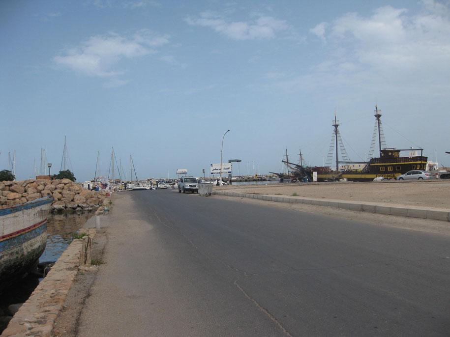 Дорога в морской порт, Хумт-Сук, Джерба