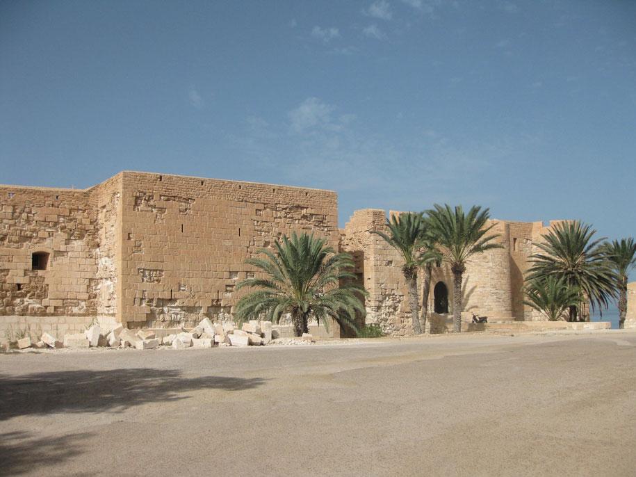 Крепость Гази Мустафы, Хумт-Сук