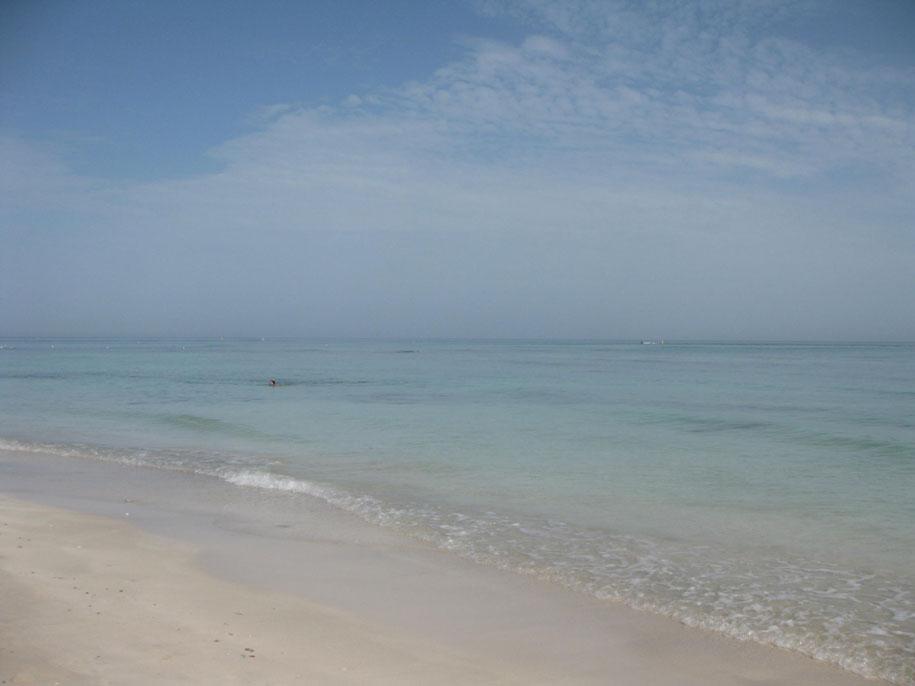 Море на острове Джерба