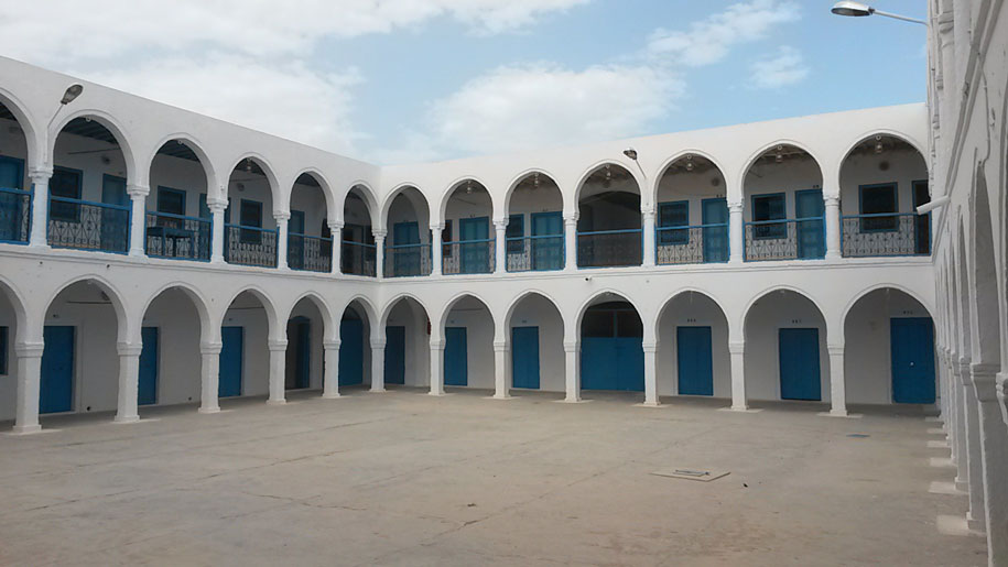 Достопримечательности острова Джерба - общежитие для паломников, Синагога Эль Гриба
