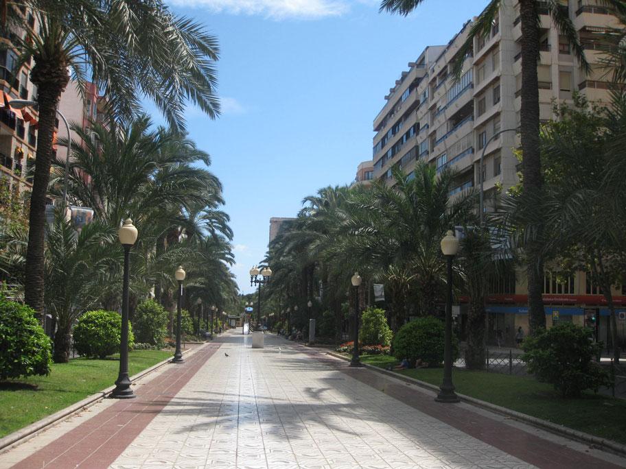 Аллея трех проспектов, прогулочный бульвар в Аликанте