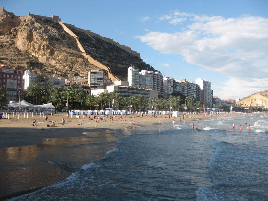 Пляж Постигет, центральный пляж Аликанте