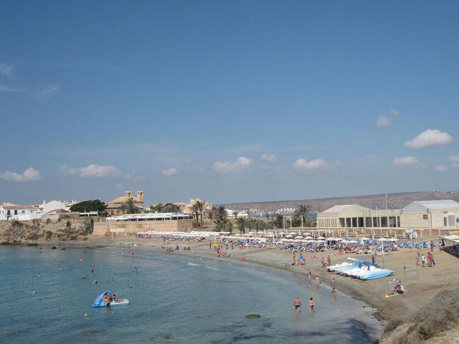 Центральный пляж острова Табарка, Испания
