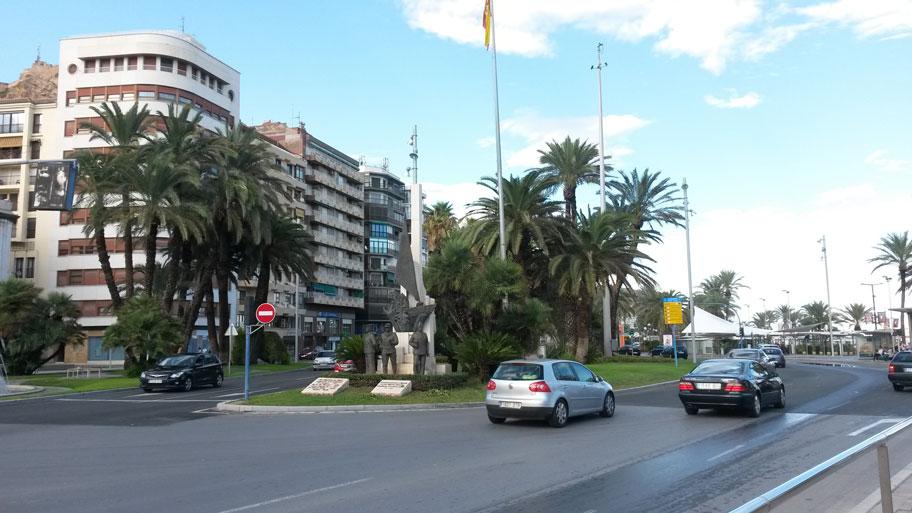 Площадь Пуэрта-дель-Мар, Аликанте