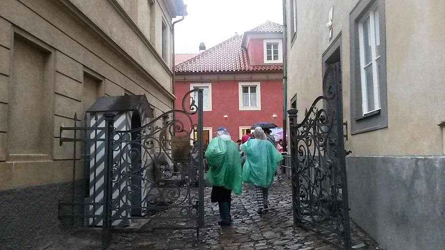 вход на Золотую улочку, Пражский Град