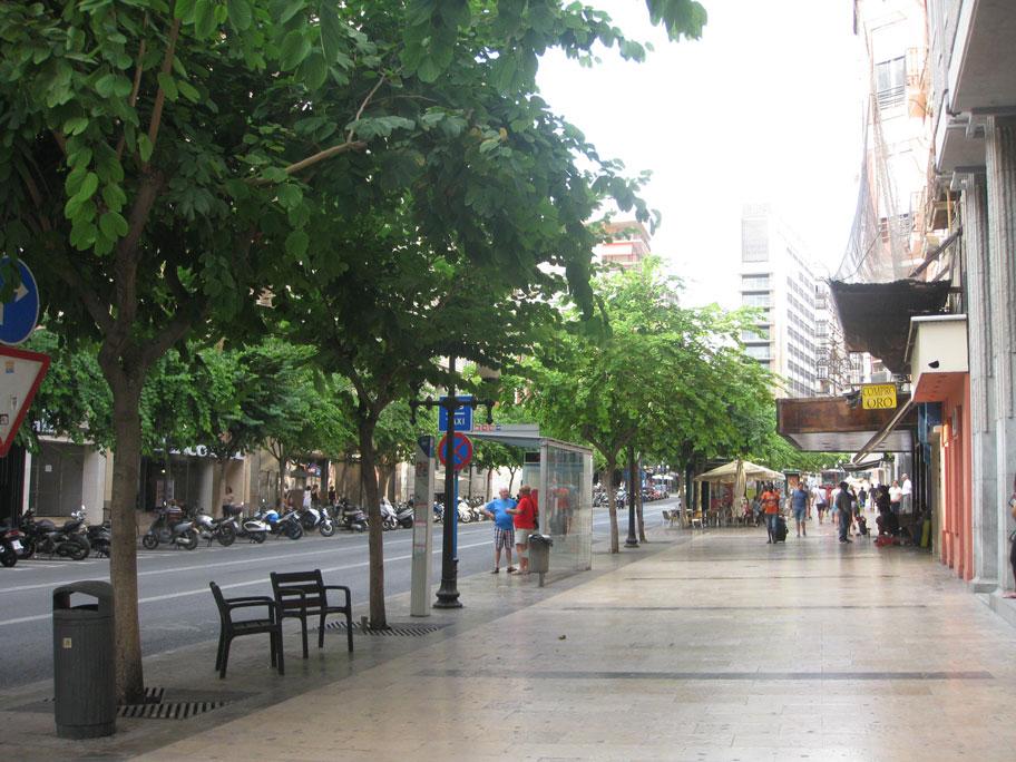 Главная улица Аликанте - Рамбла-де-Мендес Нуньес
