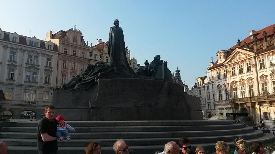 Достопримечательности Праги - памятник Яну Гусу